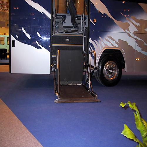 深圳巴士车载型电动升降平台